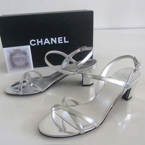 new CHANEL CC metallic silver sandals 38.5 / 8.5
